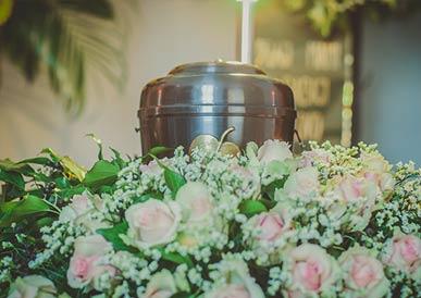 Pompes funèbres urnes funéraires