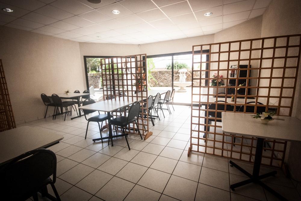 Salle de groupe et tisanerie pour obsèques en Vendée