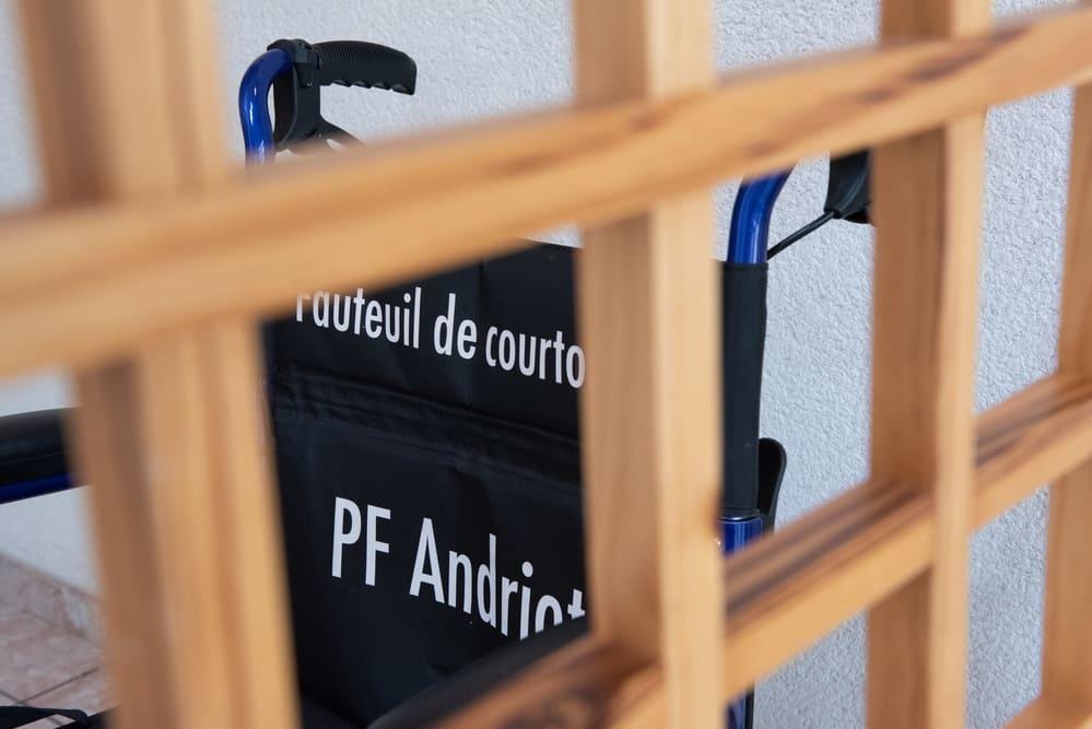 Fauteuil de courtoisie, Pompes funèbres Andriot, Belleville-sur-vie, vendée